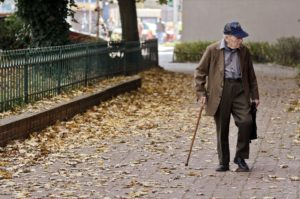 Read more about the article How to know the best insurance to get at your age