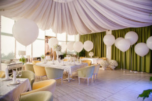 Why balloons are perfect for weddings